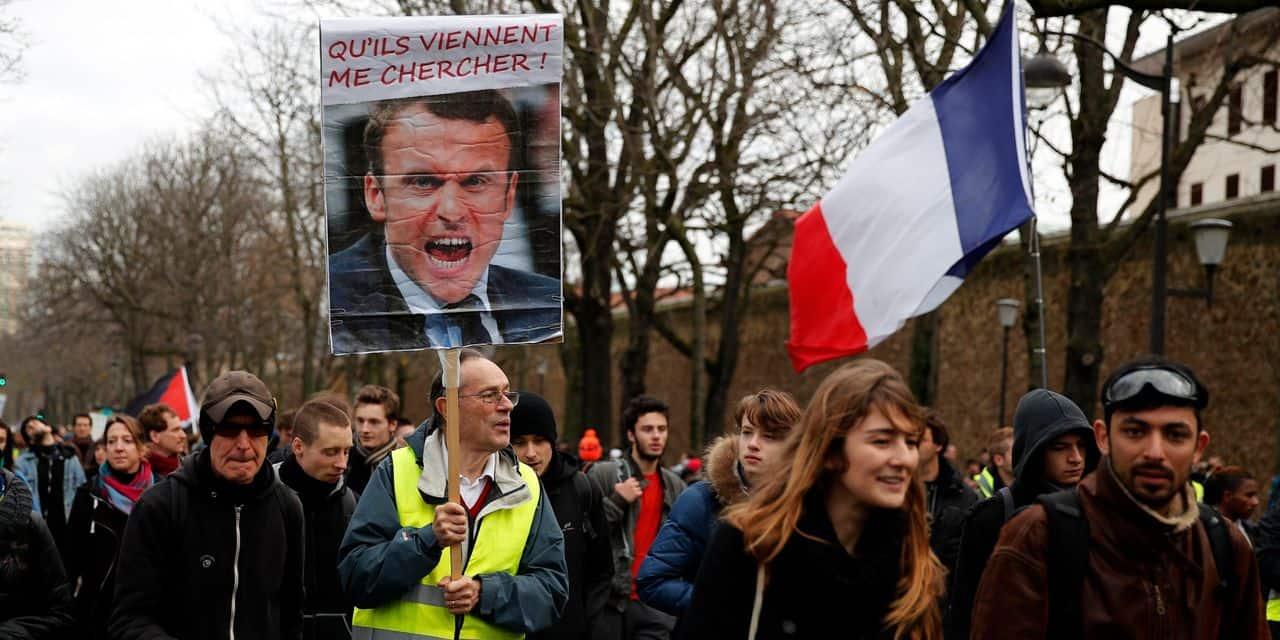 Gilets jaunes, un millier de manifestants à Paris: «Tant que Macron n'est pas tombé, je reste dans la rue»