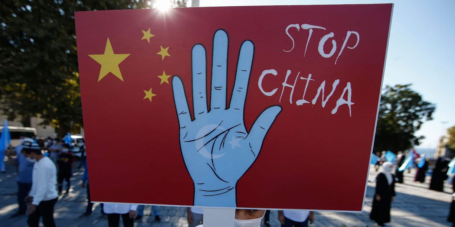 Une centaine de jeunes ont manifesté à Bruxelles en faveur des droits des Ouïghours