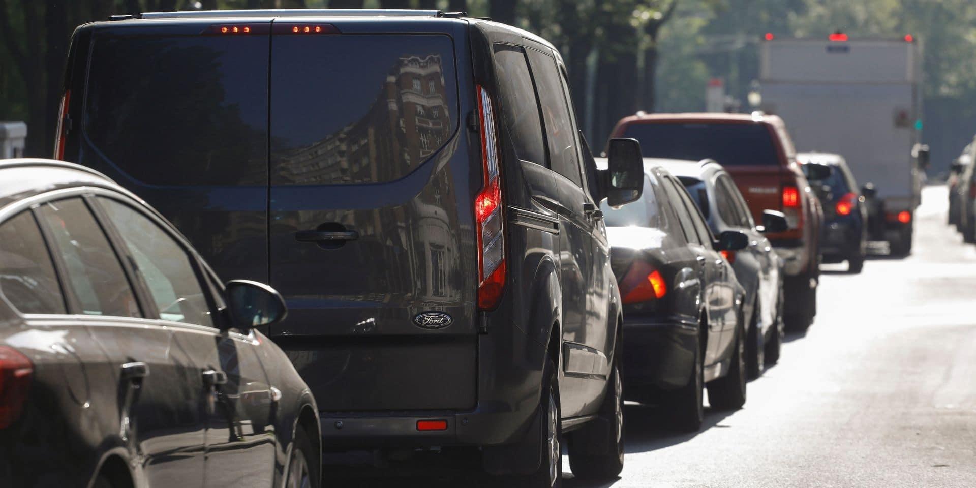 Véhicules diesel et essence bientôt interdits à Bruxelles: voici le nouveau calendrier de la zone de basses émissions