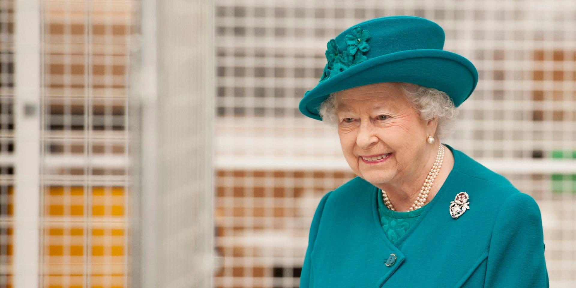 La Reine Elisabeth II signe pour la première fois une publication Instagram