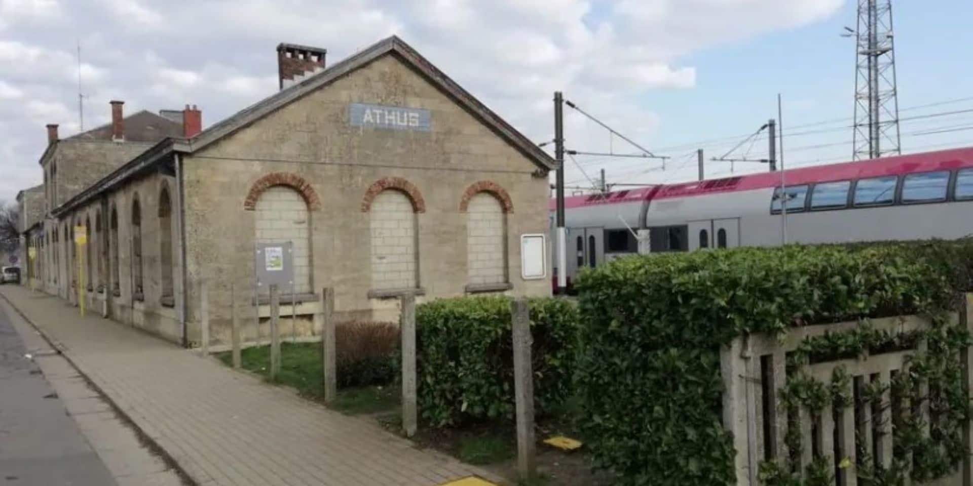 Les gares de Longlier et d'Athus ont été vendues par la SNCB