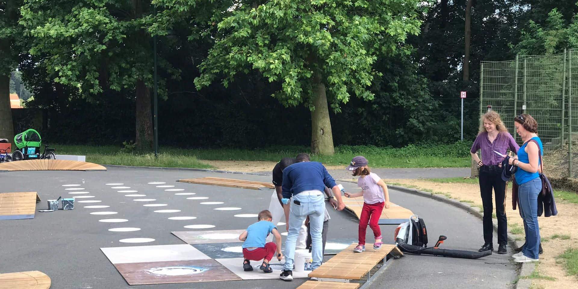 Laeken : Une rue réservée aux jeux et aux piétons sur le plateau du Heysel pour faire un pied de nez aux rodéos