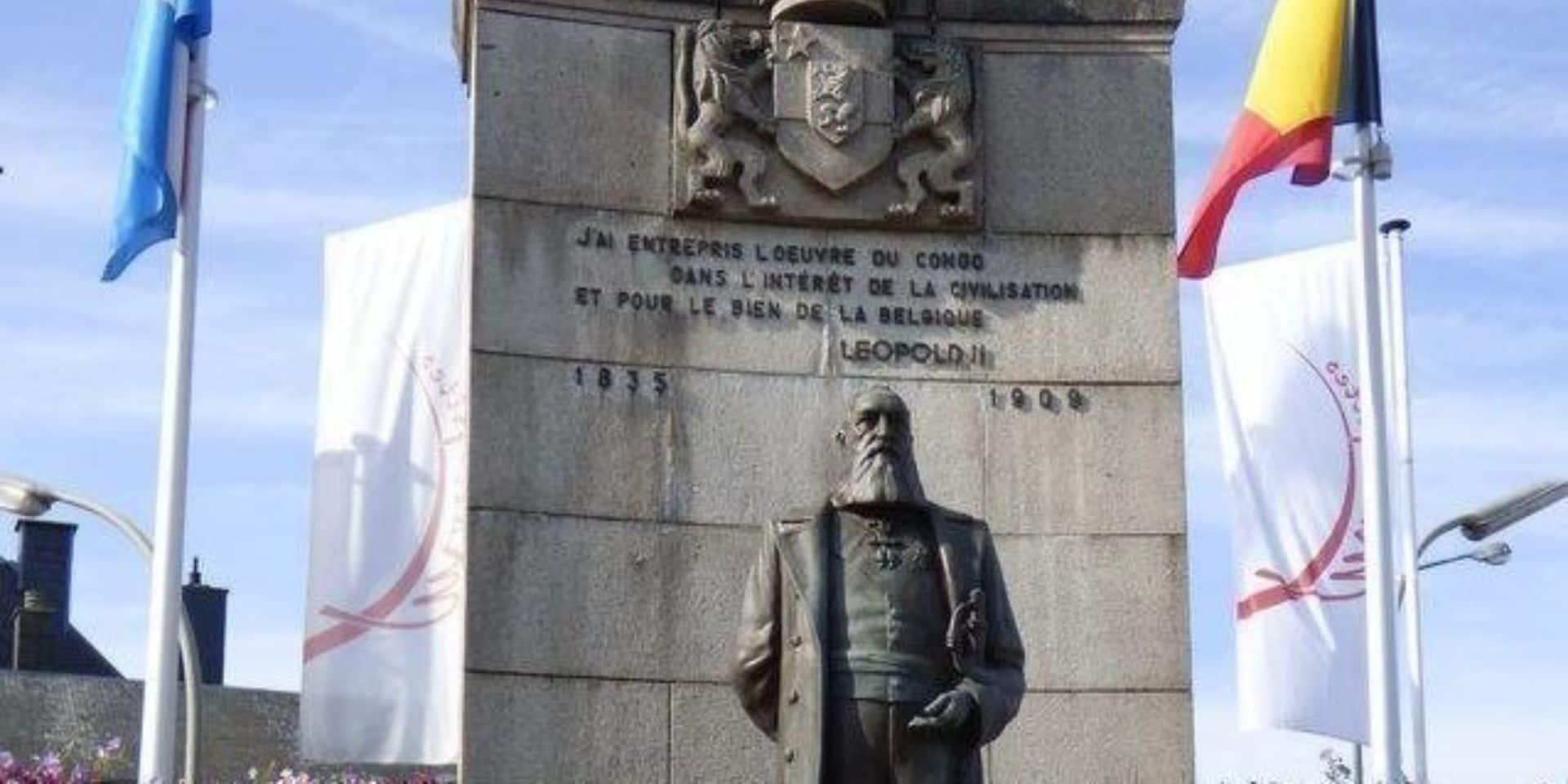 """300 signatures pour """"déboulonner"""" la statue Léopold II à Arlon"""