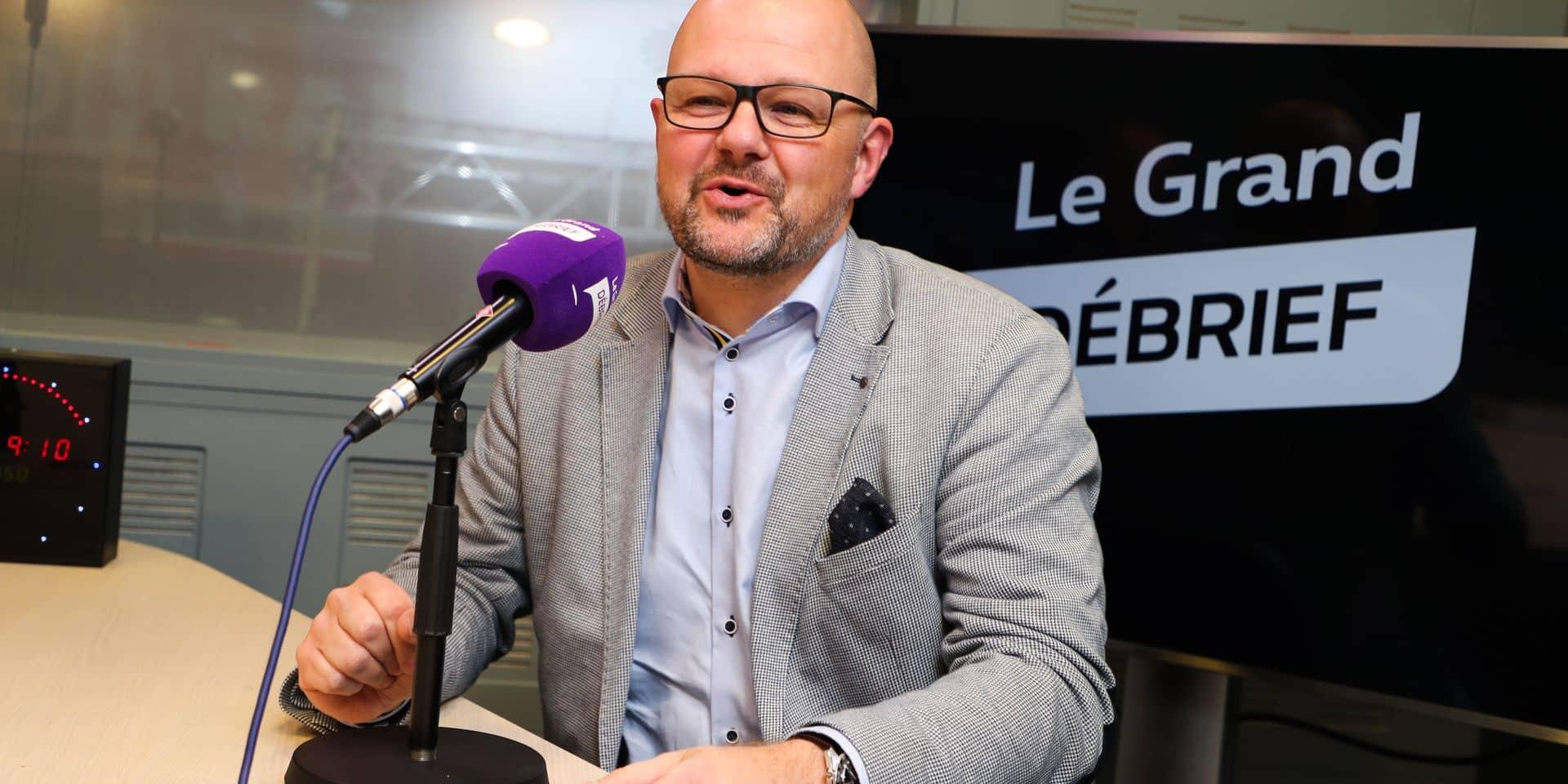 """Alexandre Grosjean présente la charte des agents, nouveauté à Sclessin: """"Celui qui ne la signera pas ne travaillera pas avec nous"""""""