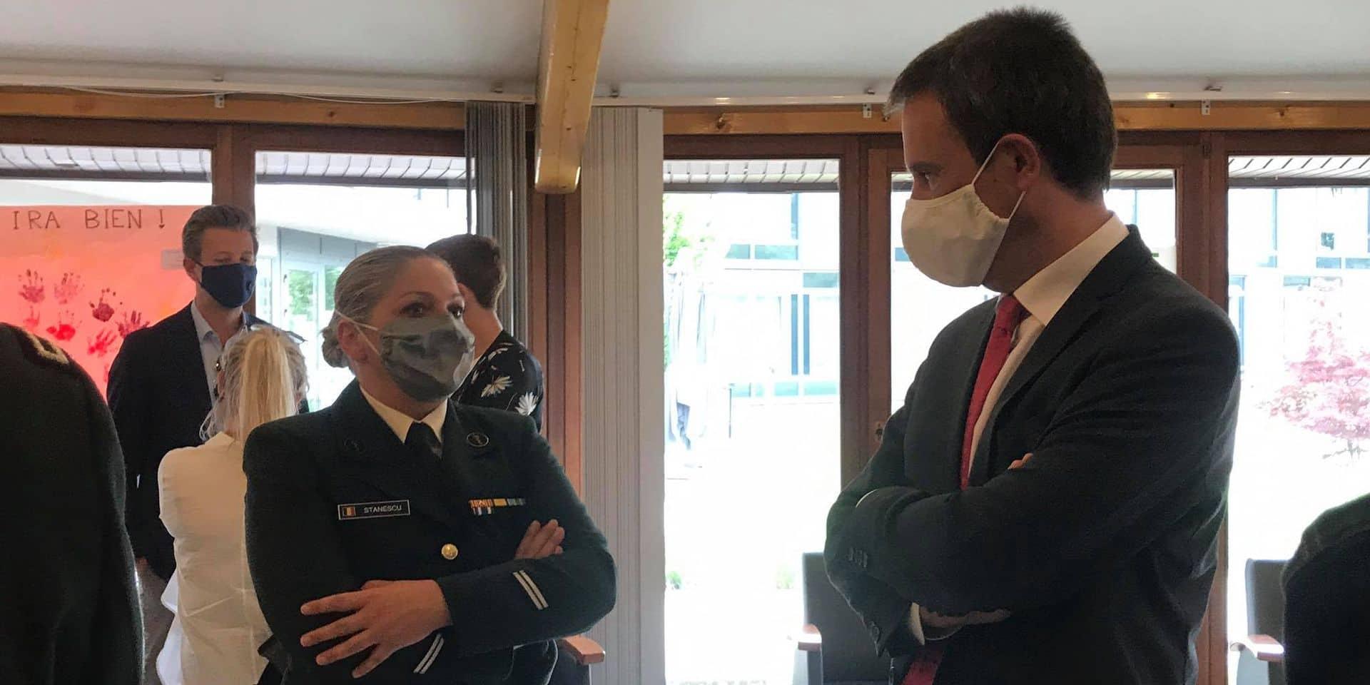 Le ministre de la Défense en visite dans la maison de repos le Tilleul d'Édouard