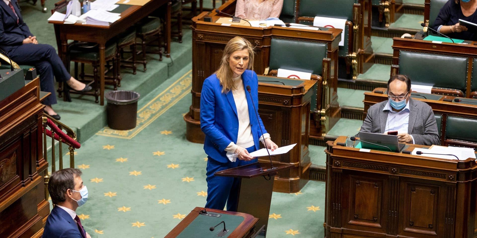 Avec la loi pandémie, Annelies Verlinden veut une assise juridique plus solide aux mesures de restriction