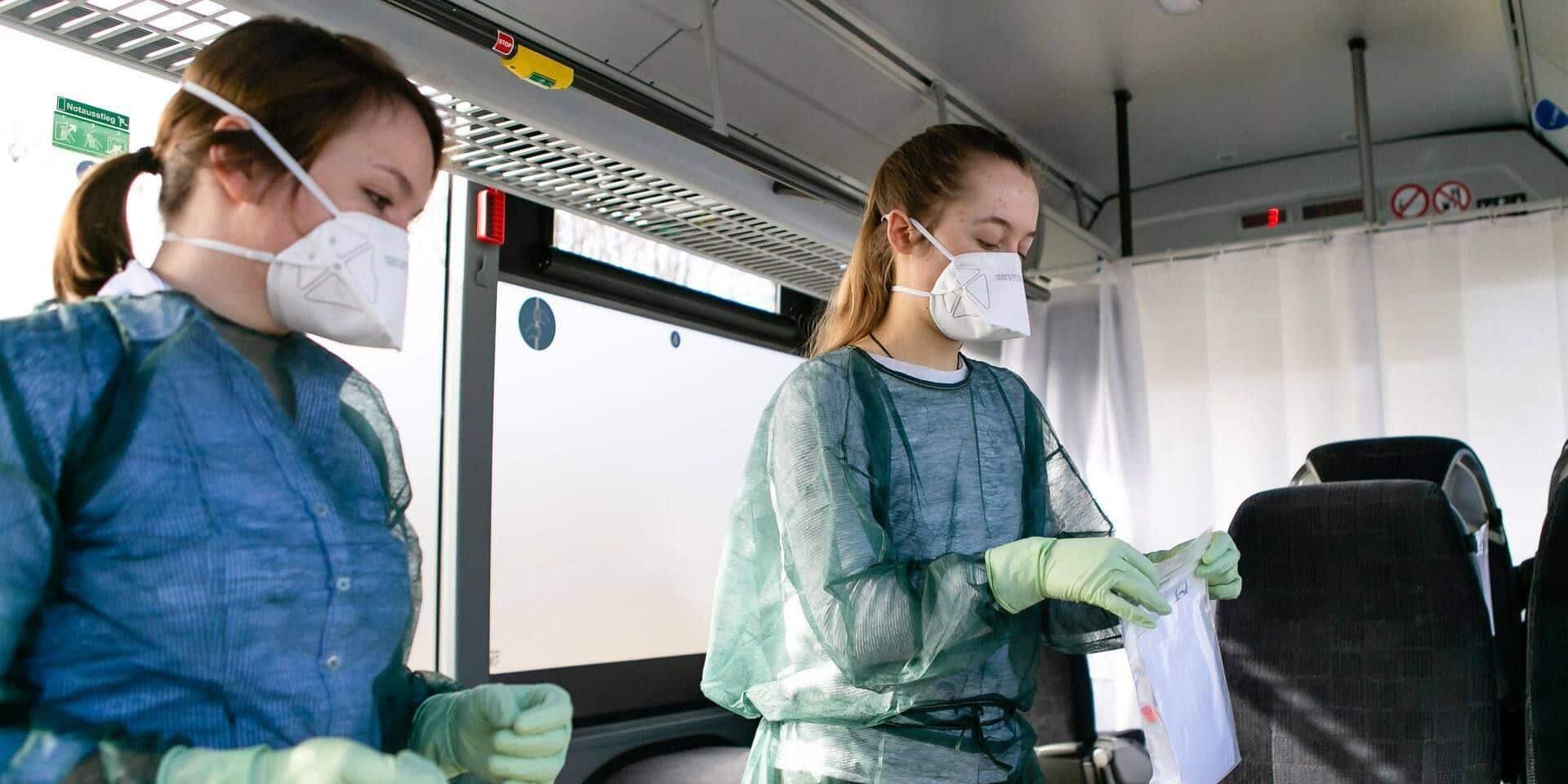 Les étudiants infirmiers de la région de Charleroi montent au front face à l'épidémie de coronavirus