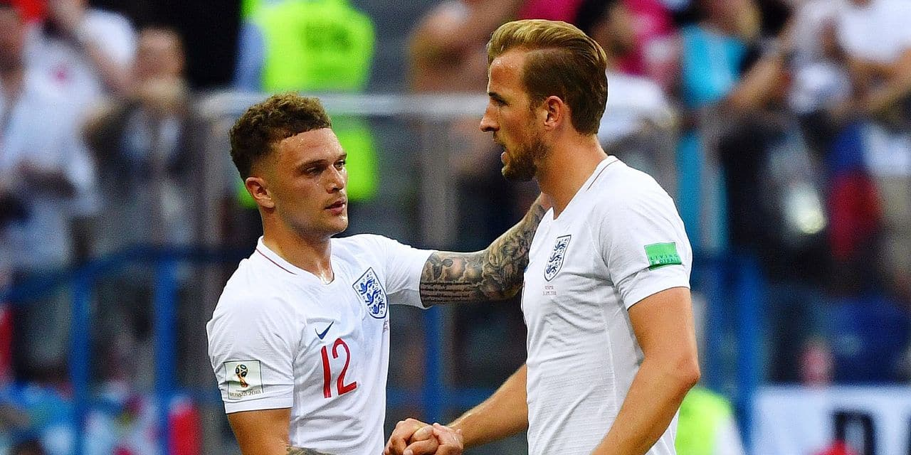England's forward Harry Kane (R) and England's defender Kieran Trippier shake hands during the Russia 2018 World Cup Group G football match between England and Panama at the Nizhny Novgorod Stadium in Nizhny Novgorod on June 24, 2018. / AFP PHOTO / Dimitar DILKOFF / RESTRICTED TO EDITORIAL USE - NO MOBILE PUSH ALERTS/DOWNLOADS