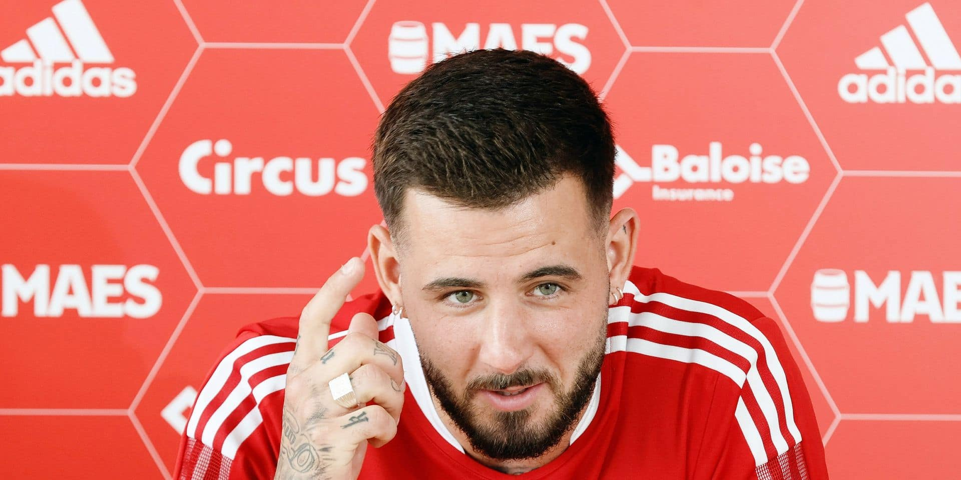 """Donnum au Standard, un renfort qui promet de l'action : """"Je veux être européen la saison prochaine"""""""