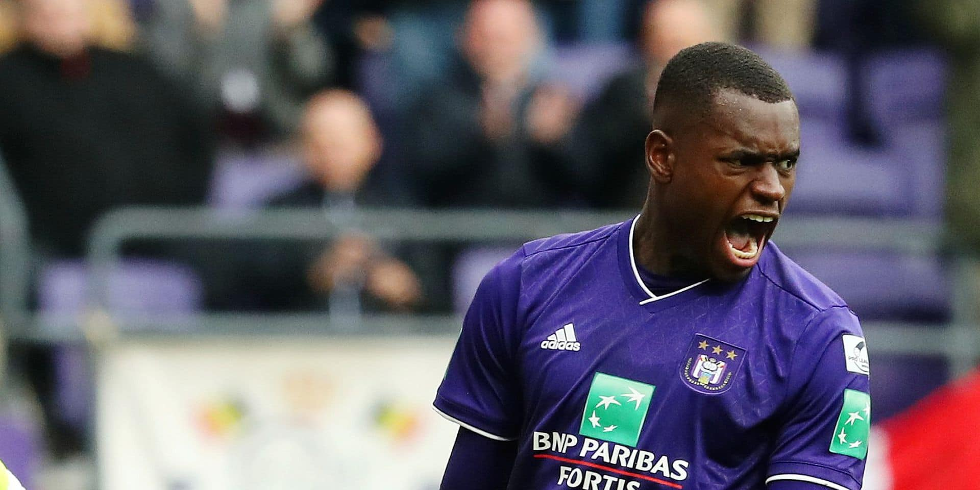 Anderlecht's Landry Dimata celebrates after scoring during a soccer game between RSC Anderlecht and Sporting Lokeren, Thursday 01 November 2018 in Brussels, on the 13th day of the 'Jupiler Pro League' Belgian soccer championship season 2018-2019. BELGA PHOTO VIRGINIE LEFOUR