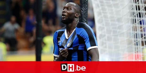Inter Milan's Romelu Lukaku celebrates after scoring his side's third goal during the Serie A soccer match between Inter Milan and Lecce at the San Siro stadium, in Milan, Italy, Monday, Aug. 26, 2019. (AP Photo/Luca Bruno)