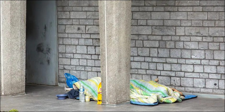 Housing First : Seize femmes sans-abri relogées durablement à Evere