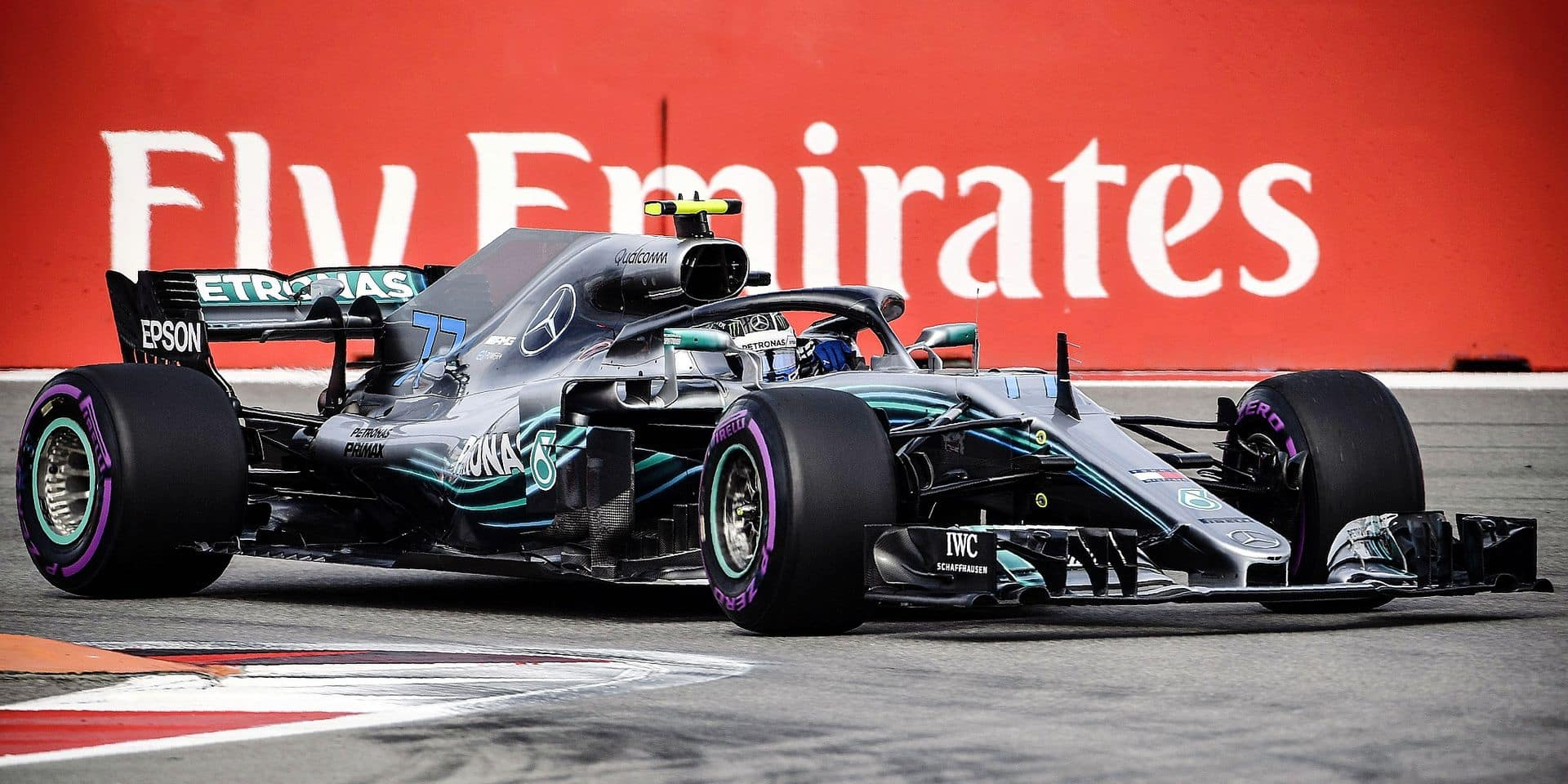 Mercedes' Finnish driver Valtteri Bottas steers his car during the first practice session of the Formula One Russian Grand Prix at the Sochi Autodrom circuit in Sochi on September 28, 2018. (Photo by Alexander NEMENOV / AFP)