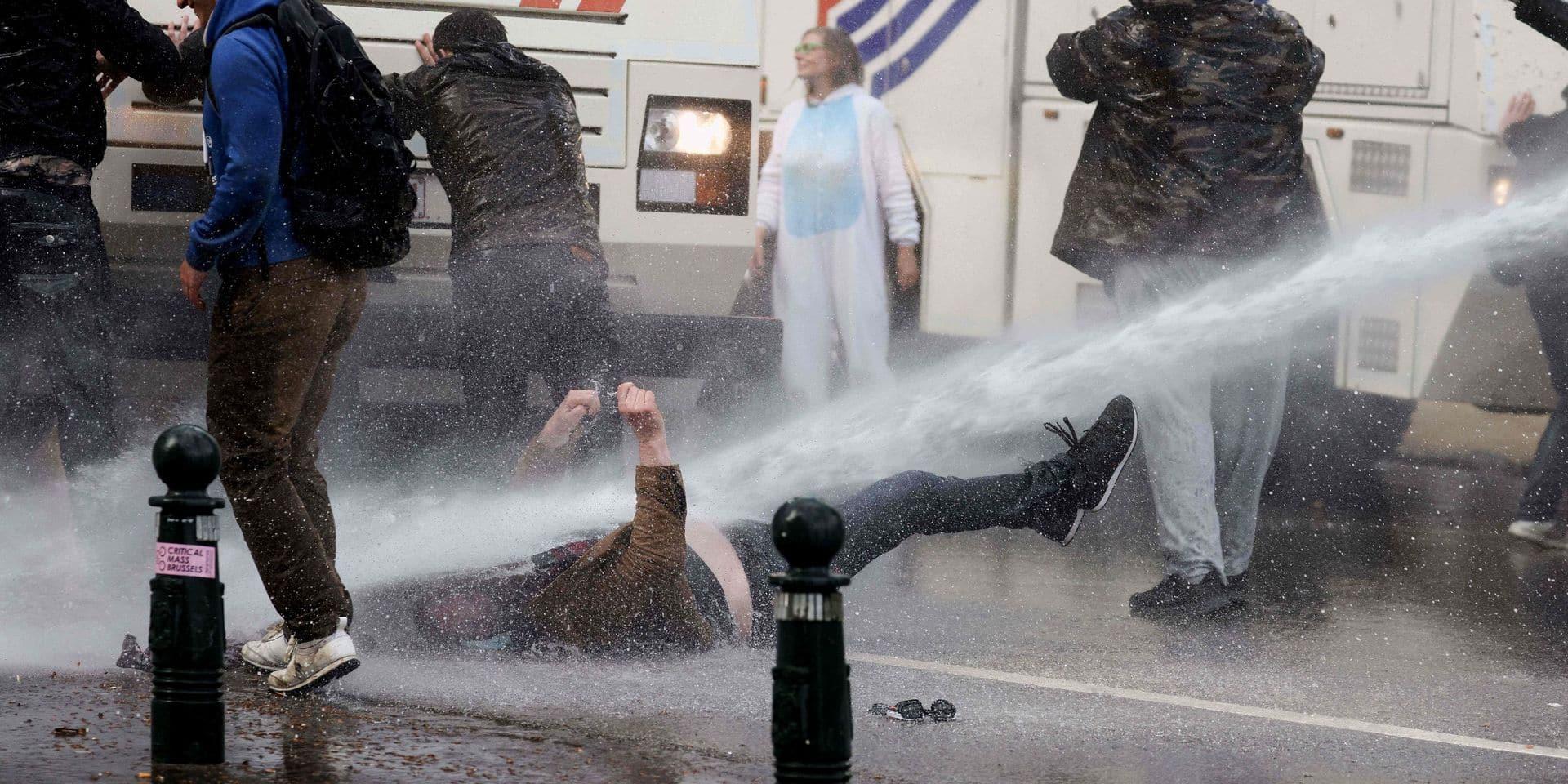 Une vingtaine de plaintes pour violences policières en marge des boums à Bruxelles