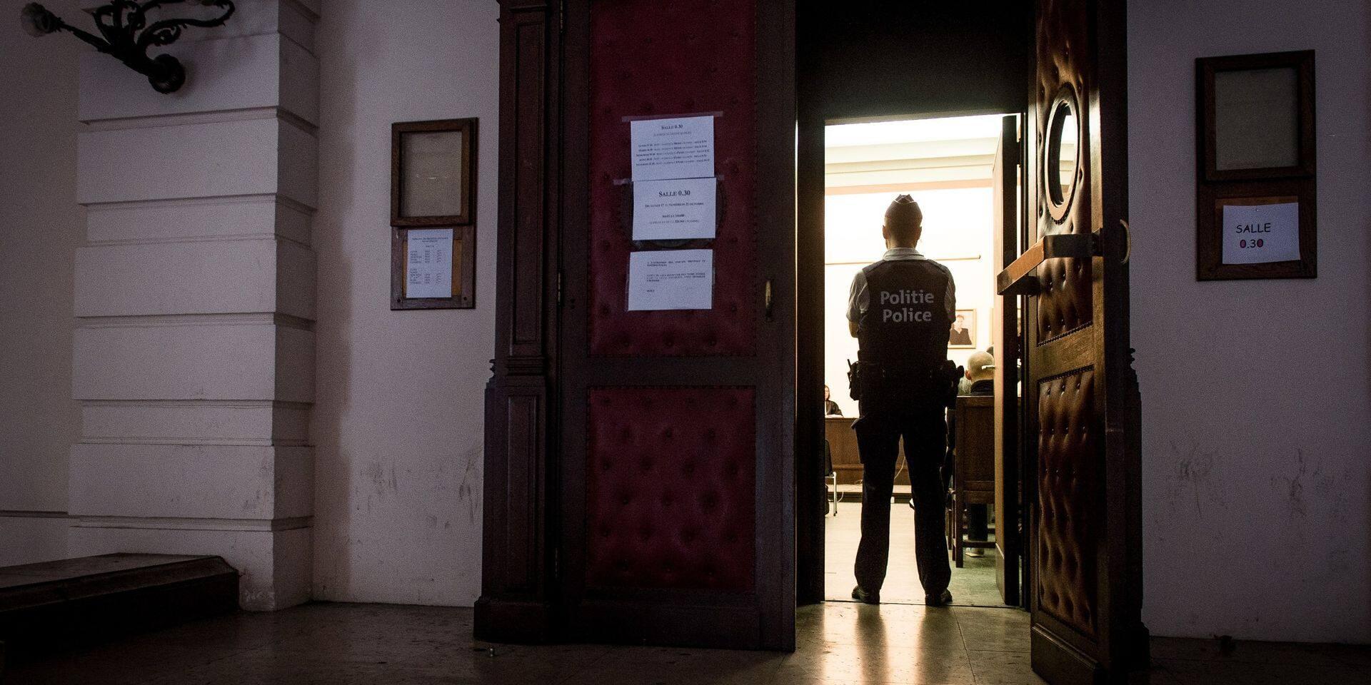 Tribunal correctionnel de Bruxelles : six mois de prison pour avoir agressé sa demi-sœur