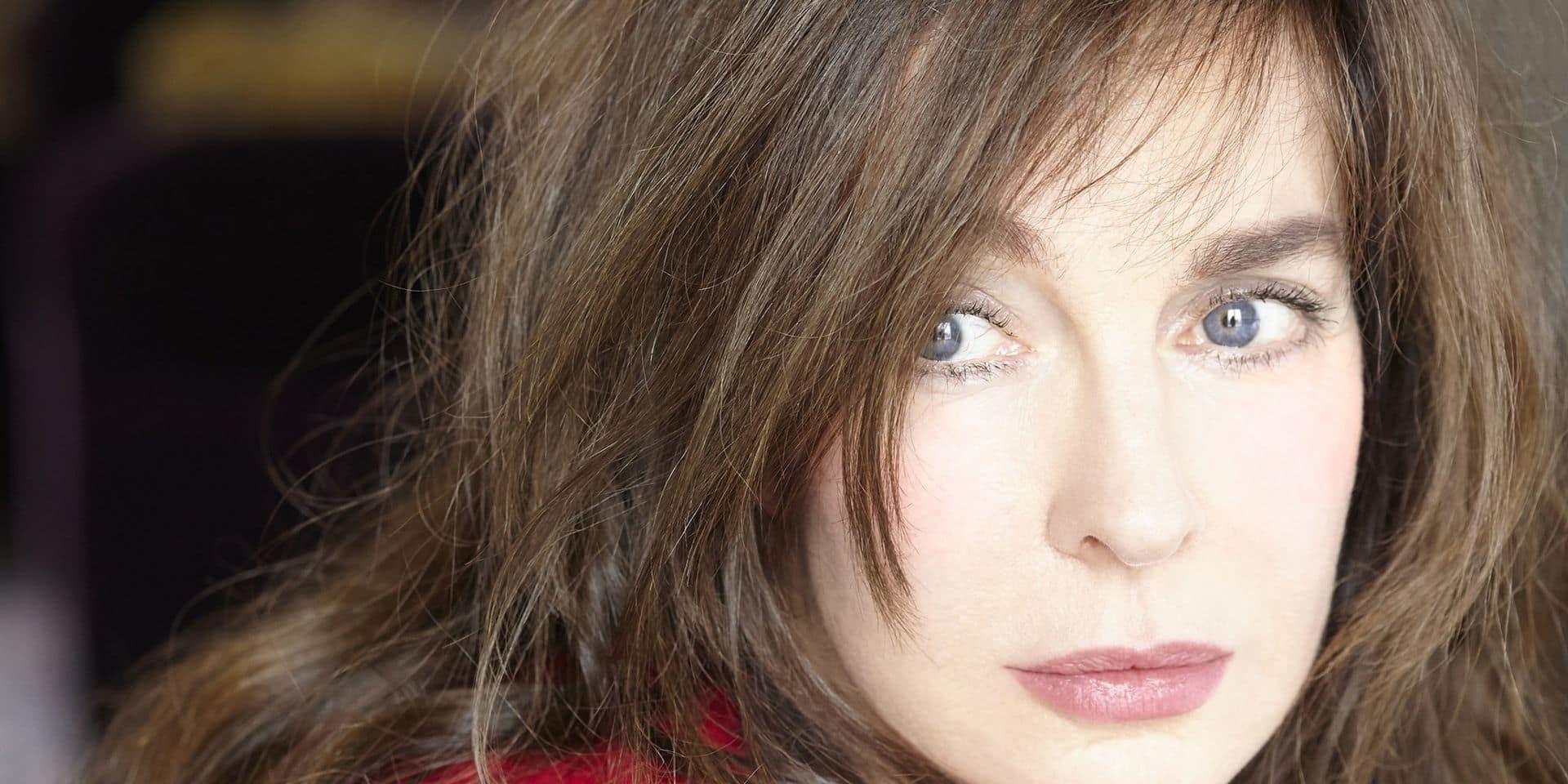 """Anne Parillaud, la star de Nikita, publie son premier roman: """"J'aime être chahutée, violentée dans mes idées ou mes croyances"""""""