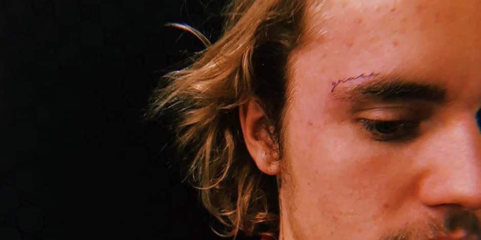 Justin Bieber se fait tatouer le nom de sa femme sur le visage