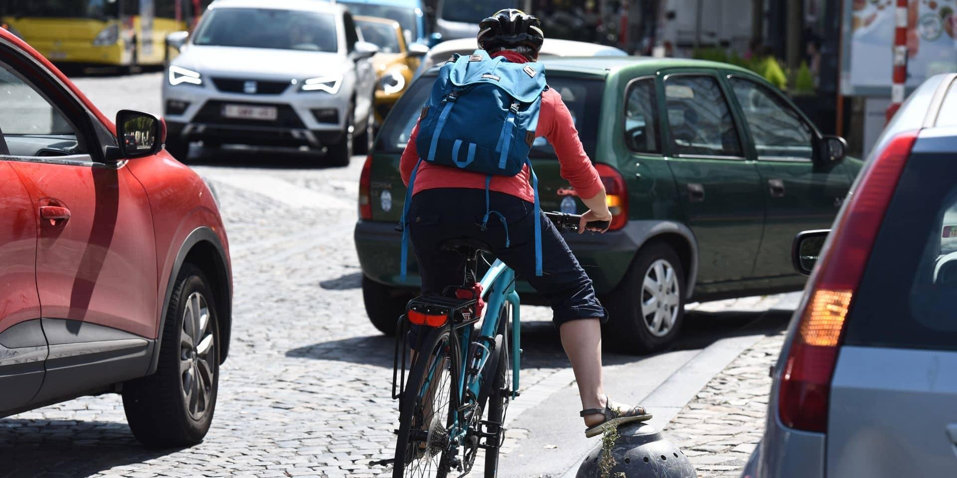 Un cycliste violemment agressé par un automobiliste... sur une piste cyclable !