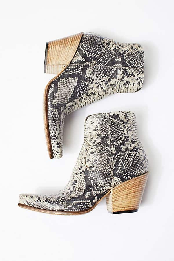 J Ghost South Branch Ankle Boots. Dispo sur le site Free People.                         367,36 euros.