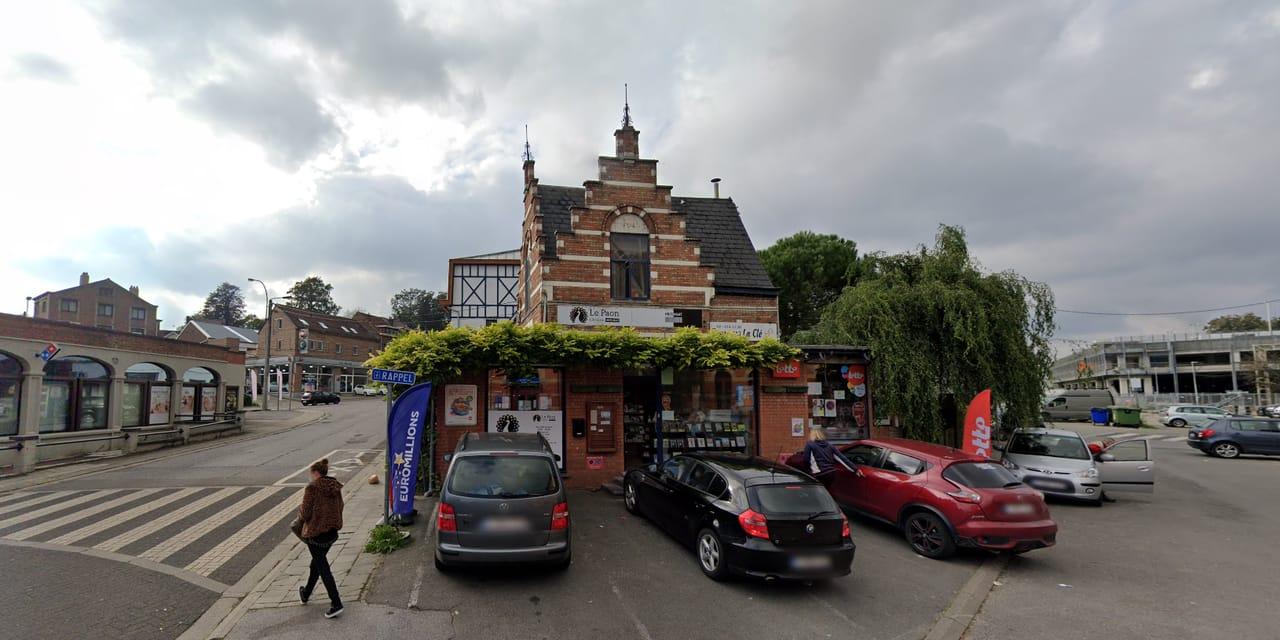 La librairie en face de la gare de Genval braquée par trois hommes ce vendredi matin