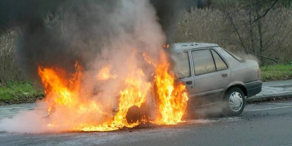 Stavelot : deux voitures incendiées