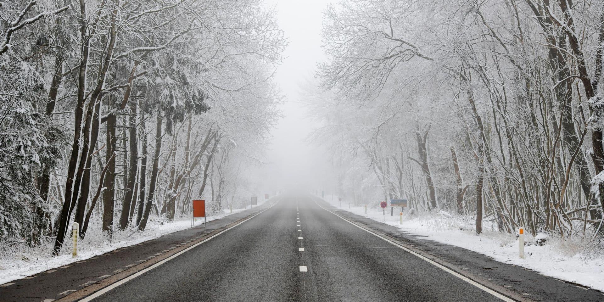 La neige provoque la pagaille sur les routes ce lundi, les transports publics également impactés