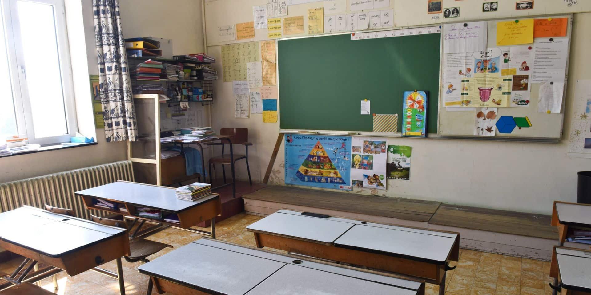 Fermeture des écoles secondaires: les coulisses de la décision