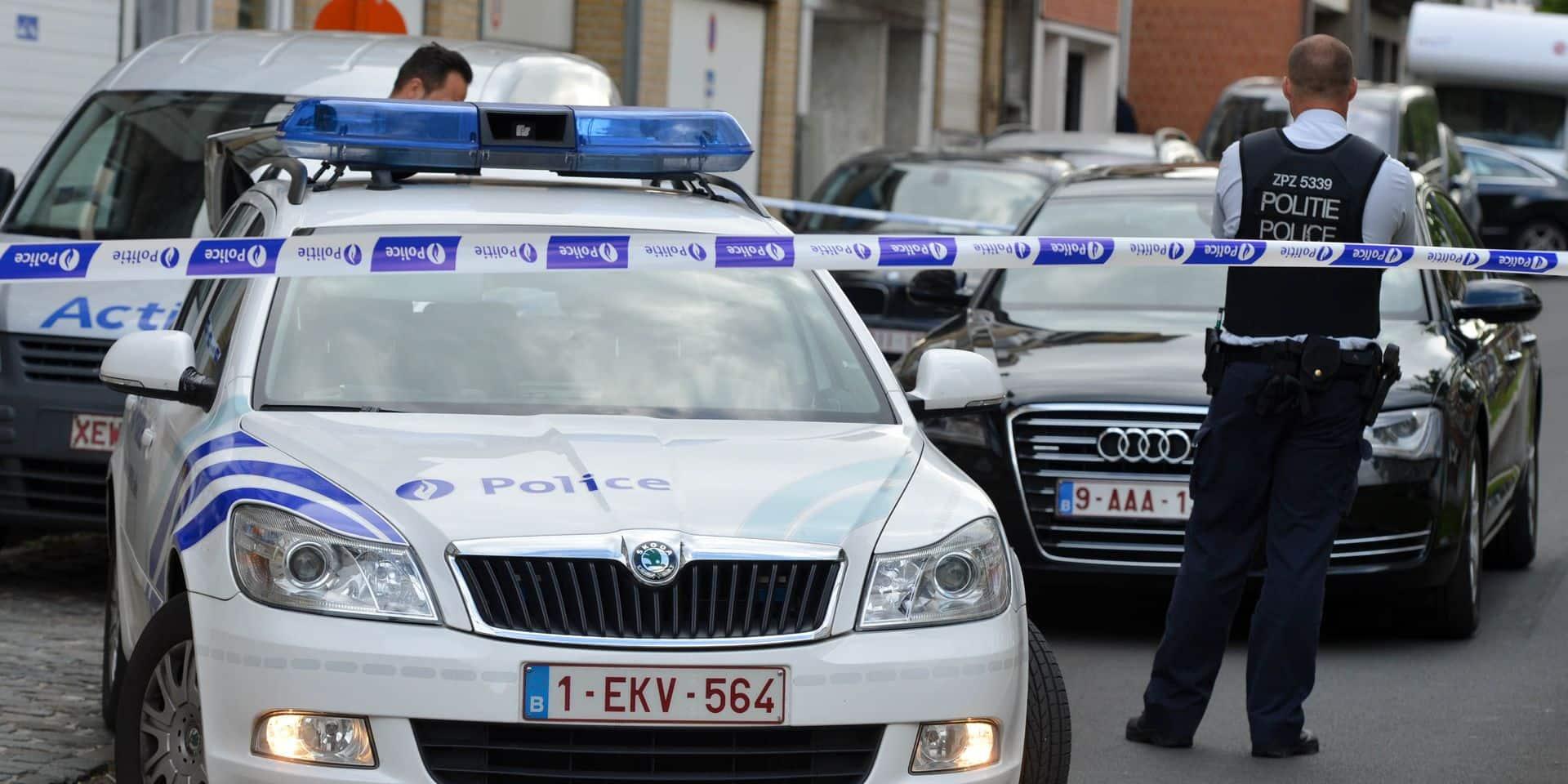 La conférence des bourgmestres bruxellois reste opposée à la fusion des zones de police