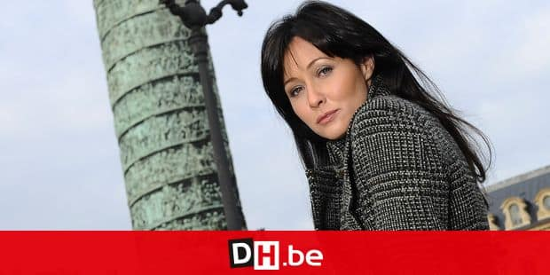 EXCLUSIVE. US actress Shannen Doherty poses in Paris, France on November 9, 2009. She had make up by Kim for Shueuemura and hairdressing by Nino for Alexandre de Paris, (Avenue Matignon) and went shopping to the trendy boutiques, Chine Collection (Rue de Castiglione) and Antik Batik (Rue de Turenne) and also had a walk to the famous Place Vendome. Photo by Frederic Nebinger/ABACAPRESS.COM ***Mandatory credit: Hair by Nino/Alexandre de Paris, make-up by Kim/Shueuemura*** abaca / Reporters Ref: 210429