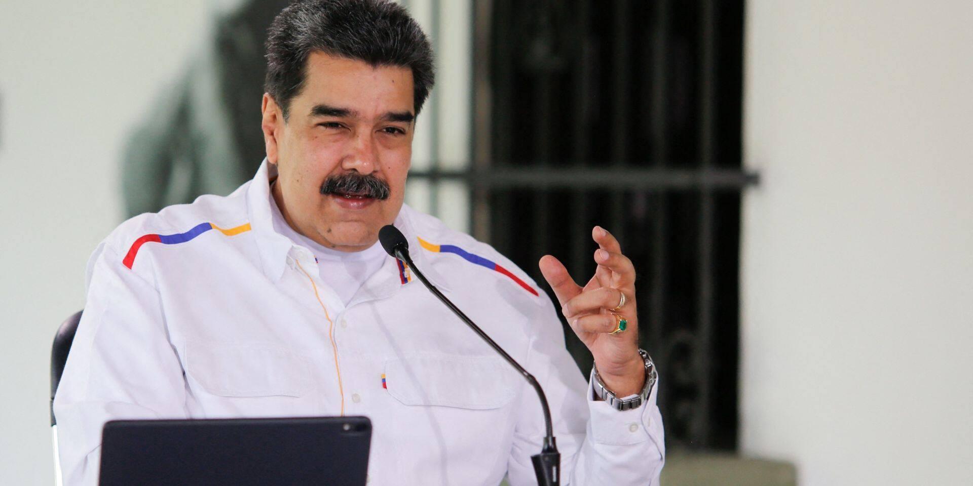 """Du """"pétrole contre des vaccins"""" pour le Venezuela, touché par une deuxième vague"""