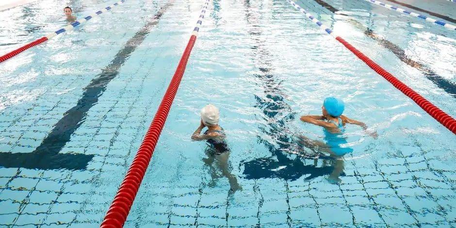 Prison avec sursis requise après la noyade d'un enfant lors de cours de natation à Ottignies