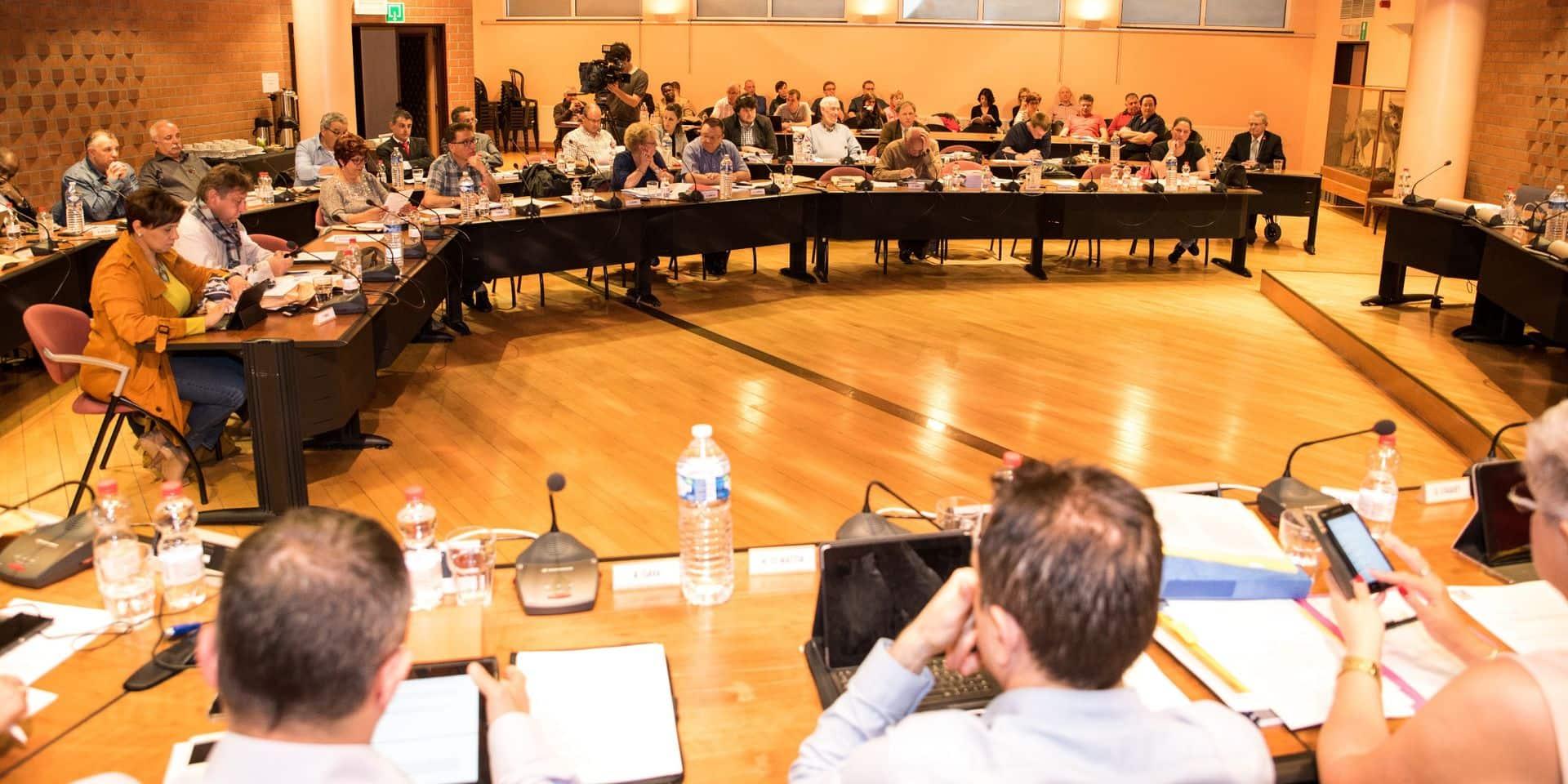 La Louvière: l'organisation du conseil communal ne sera pas modifiée