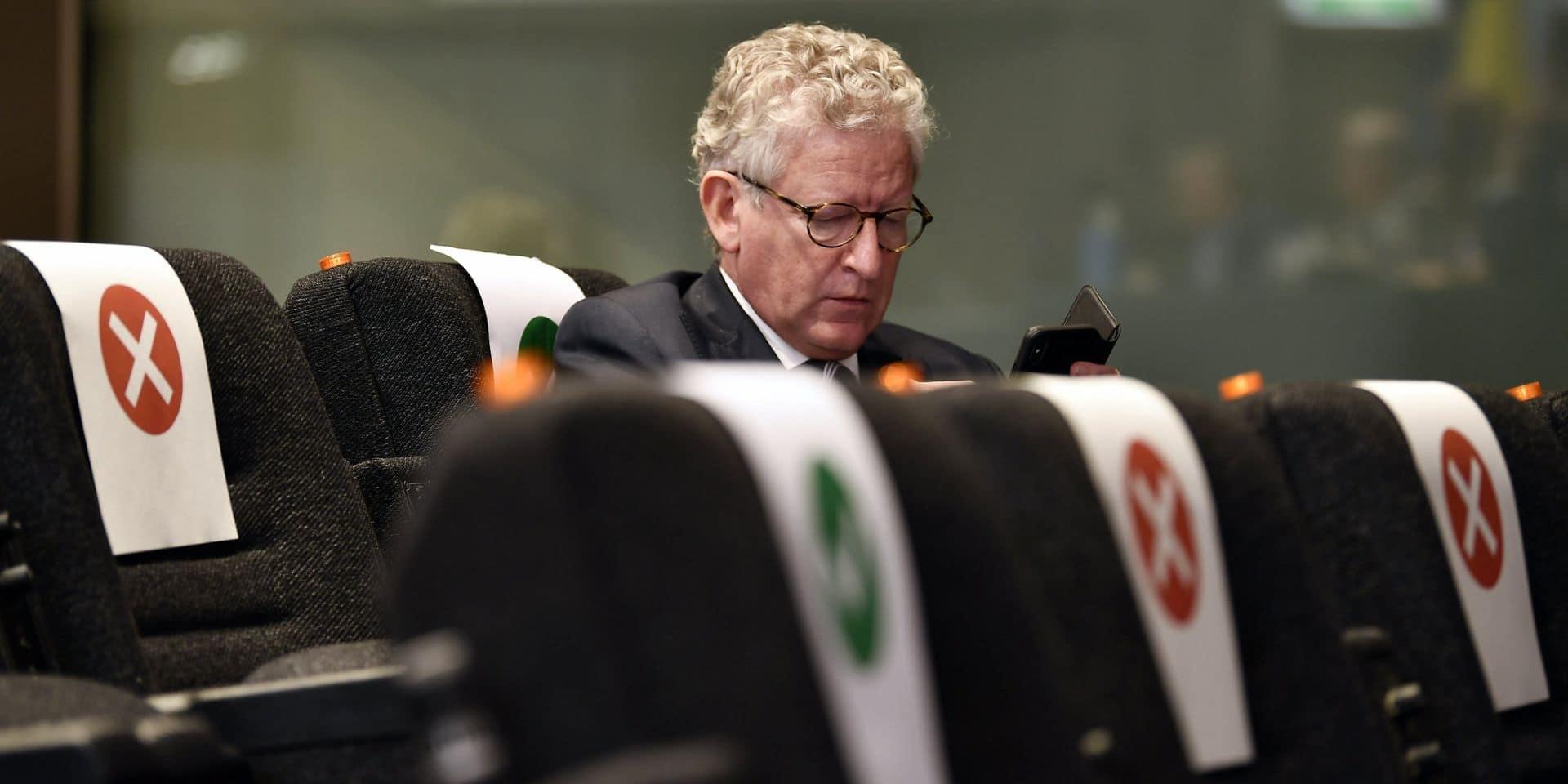 Des Belges attaquent en justice l'Etat et le ministre De Crem sur les mesures de confinement