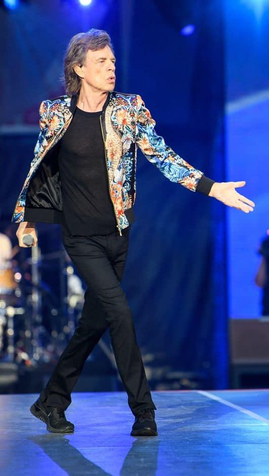 À l'heure actuelle, les Stones sont toujours en tournée dans le cadre du No Filter Tour. Jagger et sa bande sont toujours aussi flamboyants.