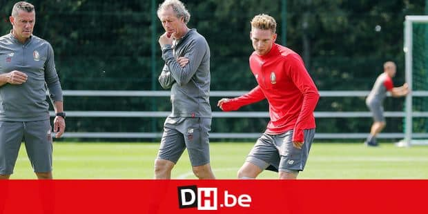 Standard's head coach Michel Preud'homme and Standard's Renaud Emond pictured during a training session, open to the fans, of Jupiler Pro League team Royal Standard de Liege, Tuesday 28 August 2018 in Liege. BELGA PHOTO BRUNO FAHY