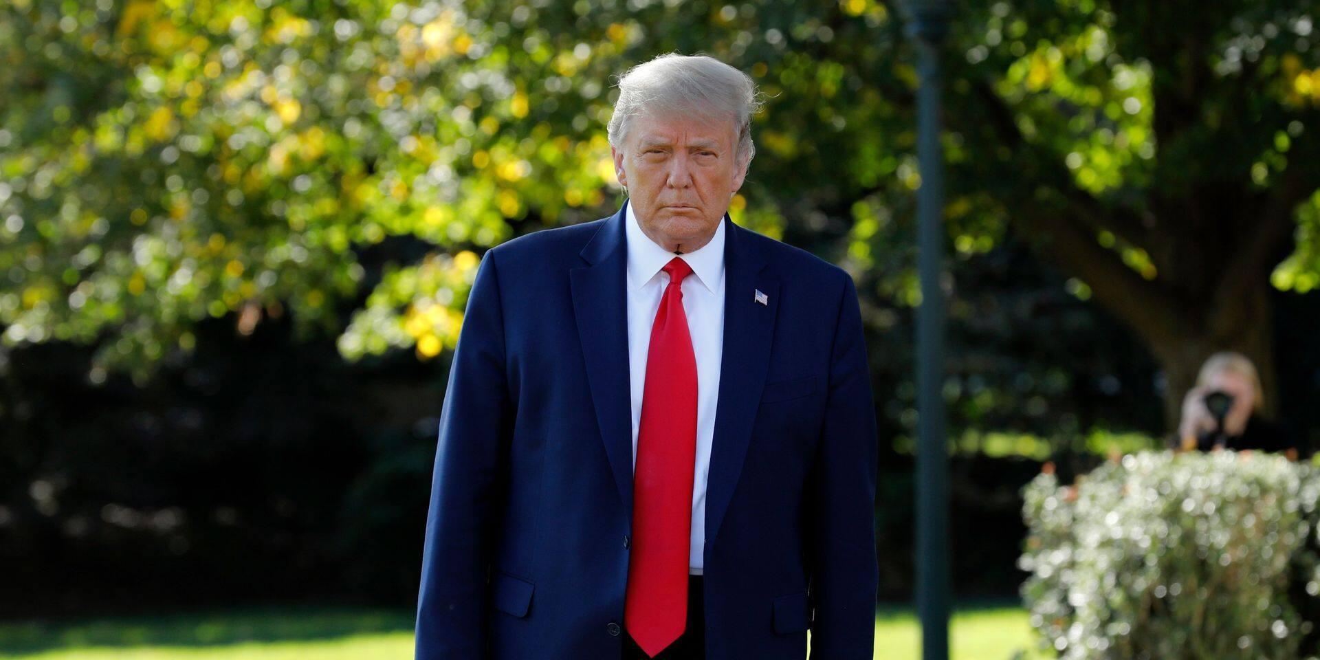 """Donald Trump promulgue une loi pour éviter temporairement le """"shutdown"""""""
