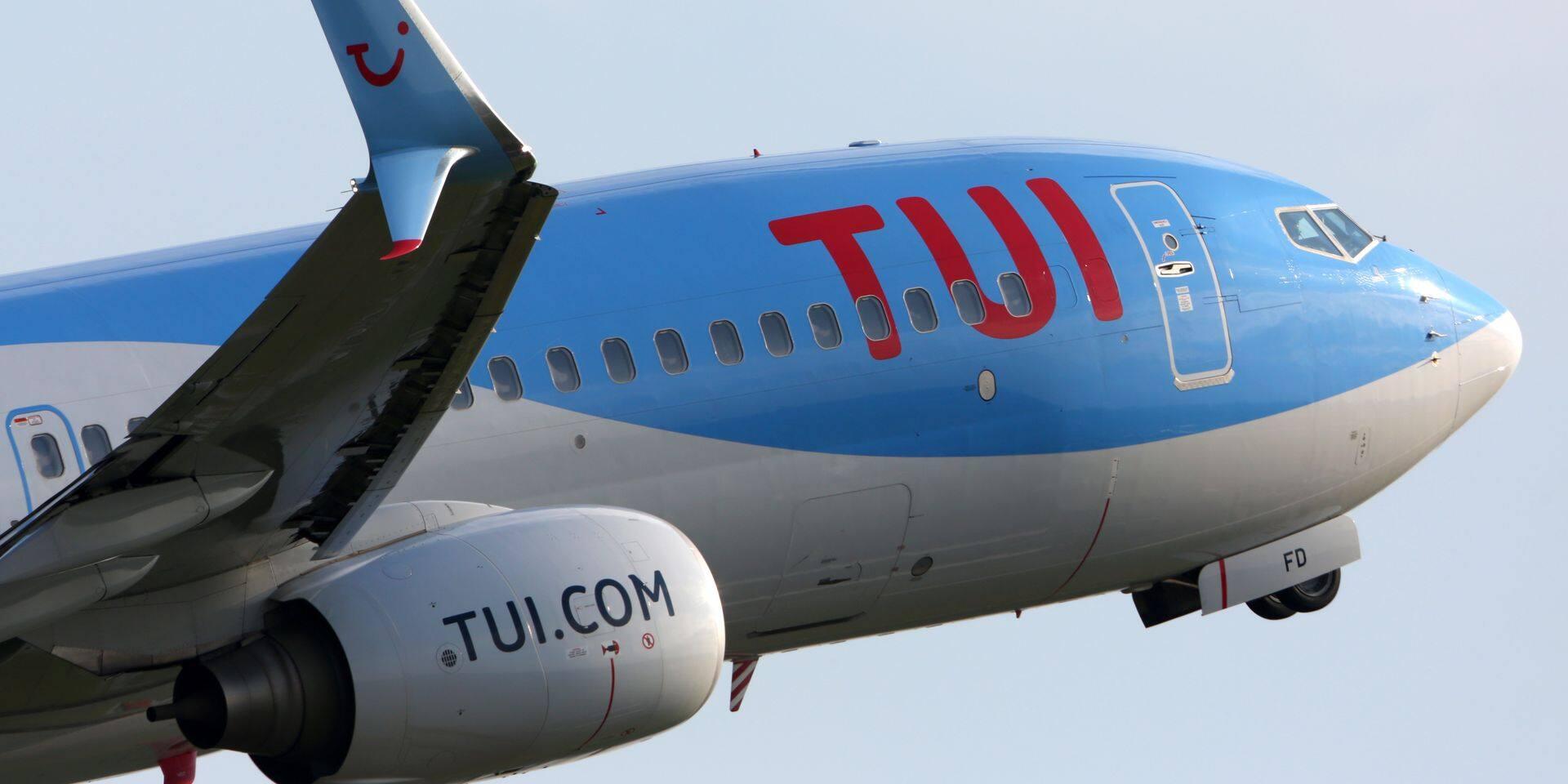 Schiphol,,Amsterdam,,Netherlands,-,April,4,,2016:,Boeing,737-8k5(wl),Ph-tfd