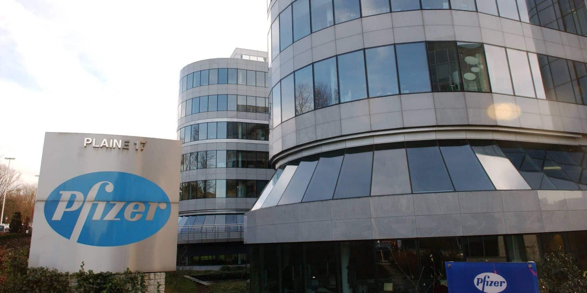 Le PTB manifeste chez Pfizer et demande la levée des brevets sur le vaccin