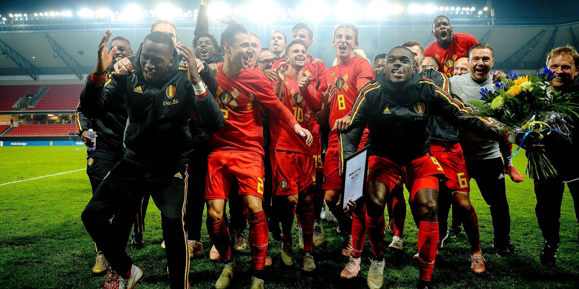 Belgium´s team celebrates after winning the UEFA U21 qualification Group 6 football match between Sweden and Belgium in Kalmar, Sweden, on October 16, 2018. (Photo by Patric SODERSTROM / TT News Agency / AFP) / Sweden OUT