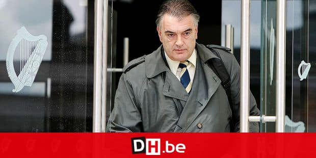 (FILES) In this file photo taken on July 21, 2010 British journalist Ian Bailey leaves the Criminal Courts of Justice in Dublin, Ireland. - Briton Ian Bailey faces new trial over murder in 1996 of Sophie Toscan du Plantier. (Photo by PETER MUHLY / AFP)