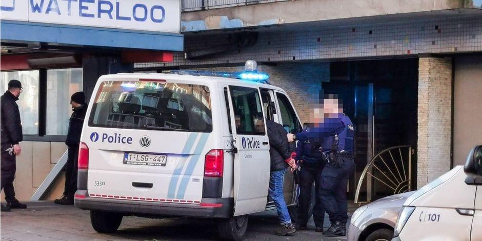 """Opération """"deal de rue"""" à la ville haute: la police de Charleroi a attrapé sept dealers, tous en séjour illégal"""